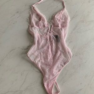 Victoria's Secret: baby pink teddy